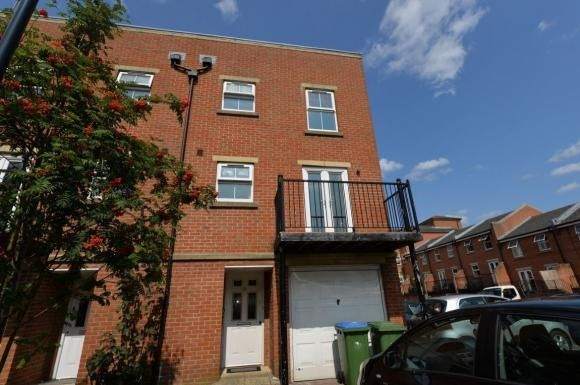 Thumbnail Town house to rent in Craven Street, Southampton SO141Ax