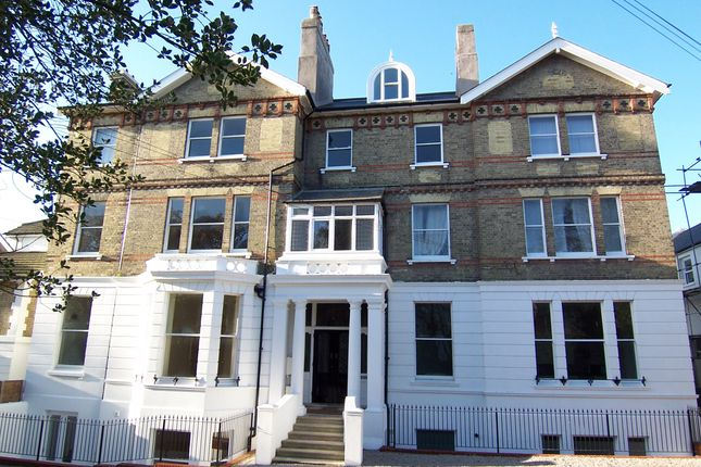 Thumbnail Flat to rent in 18 Upper Maze Hill, St Leonards On Sea