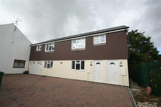 Thumbnail Flat to rent in Livingstone Road, Newbury
