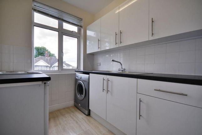 Thumbnail Flat to rent in Maricas Avenue, Harrow Weald, Middlesex