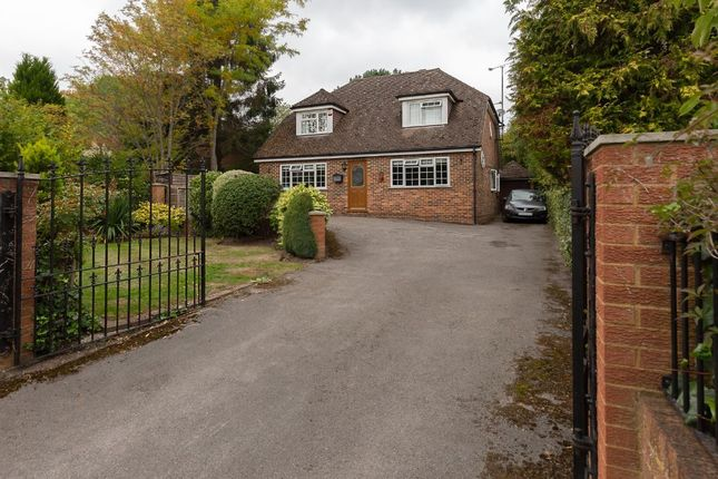 Thumbnail Detached house to rent in Barkham Road, Wokingham