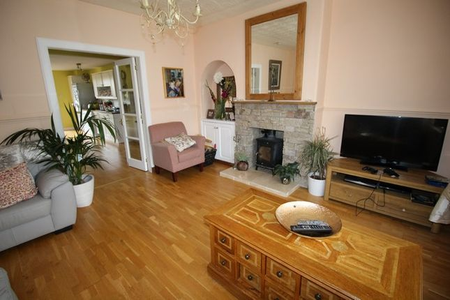 Thumbnail Terraced house for sale in 16 Pardovan Crescent, Philpstoun