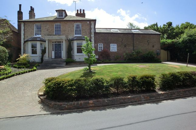 3 bed detached house for sale in The Ridgeway, Shorne, Gravesend