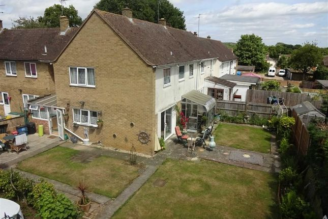 Thumbnail Terraced house for sale in Oundle Court, Stevenage, Herts