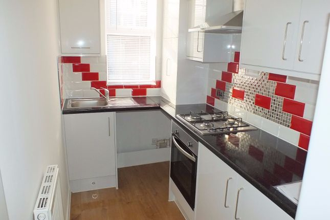 Thumbnail Flat to rent in Ash Road, Leeds, West Yorkshire