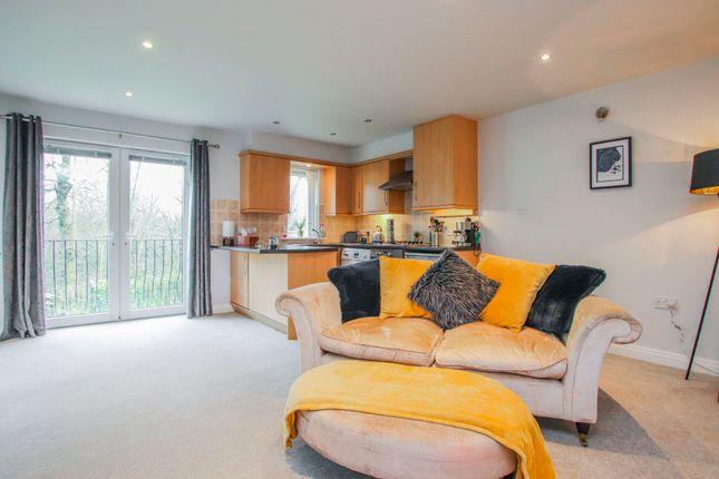 2 bed flat to rent in Riverside Mews, Padiham, Burnley BB12