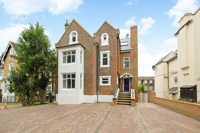 Thumbnail Flat for sale in Upton Park, Slough