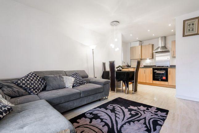 2 bed flat for sale in Wraysbury Drive, Yiewsley, West Drayton UB7