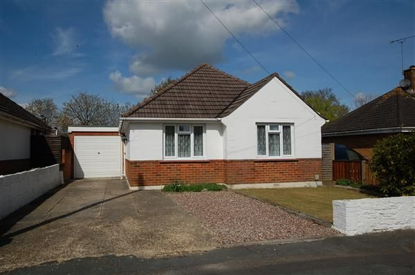 Thumbnail Bungalow to rent in Anchor Road, Bournemouth