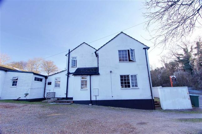 Thumbnail Semi-detached house for sale in Tring Hill, Tring