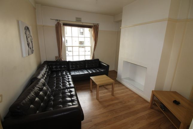 Thumbnail Flat to rent in Windsor Lane, Cardiff