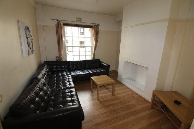 Thumbnail Flat to rent in Windsor Lane, Cardiff