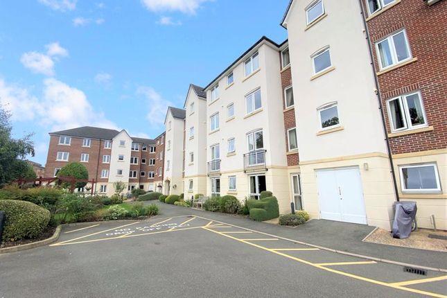 2 bed flat for sale in Kingsley Court, Aldershot GU11