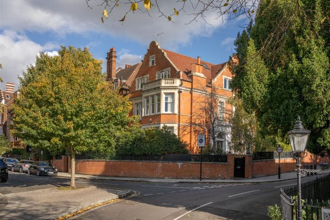 Thumbnail Detached house for sale in Frognal Gardens, Hampstead, London