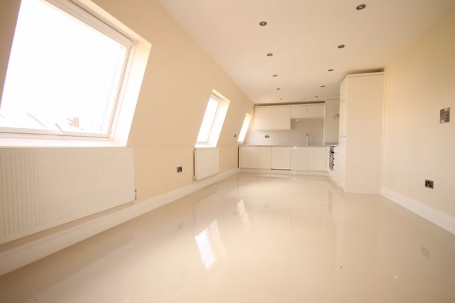 Thumbnail Flat to rent in Clifden Road, Homerton