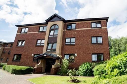 Thumbnail Flat to rent in Whitelea Court, Kilmacolm