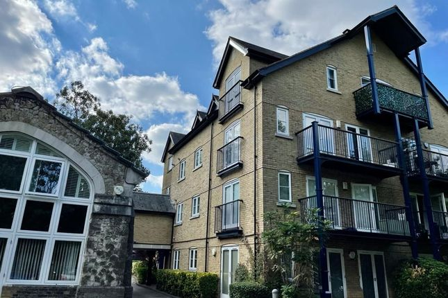 Thumbnail Flat to rent in Pump House Close, Bromley