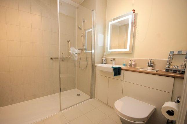 Shower Room of Harbour Road, Gosport PO12