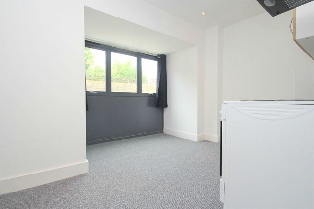 Studio to rent in Albany Road, Old Windsor, Berkshire