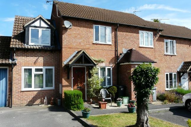 2 bed link-detached house to rent in Shalbourne Close, Hungerford