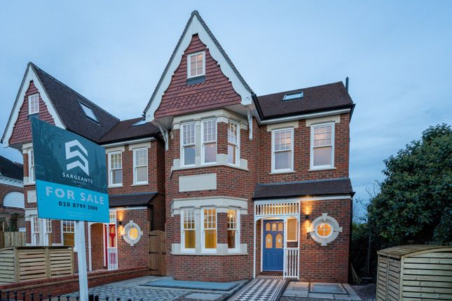 Thumbnail Detached house for sale in Ascott Avenue, Ealing