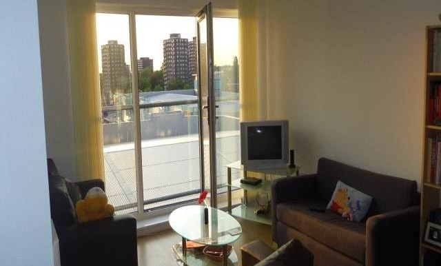 Thumbnail Shared accommodation to rent in Laywell Point, Pilgrims Way, Salford