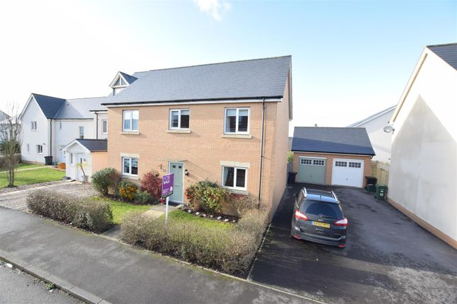 4 bed detached house for sale in Fieldfare Avenue, Portishead, Bristol