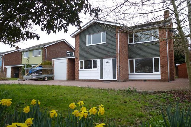 4 bed detached house to rent in High Beech, Lowestoft NR32