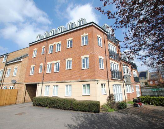 Thumbnail Flat to rent in Lindler Court, Leighton Buzzard