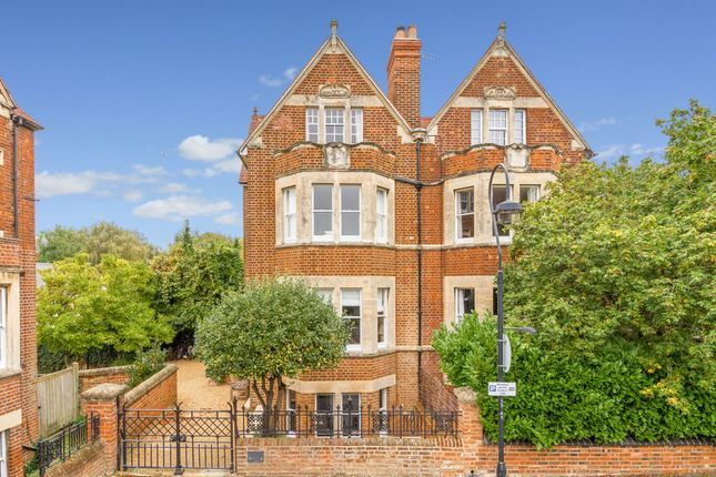 Thumbnail Semi-detached house to rent in Southmoor Road, Oxford