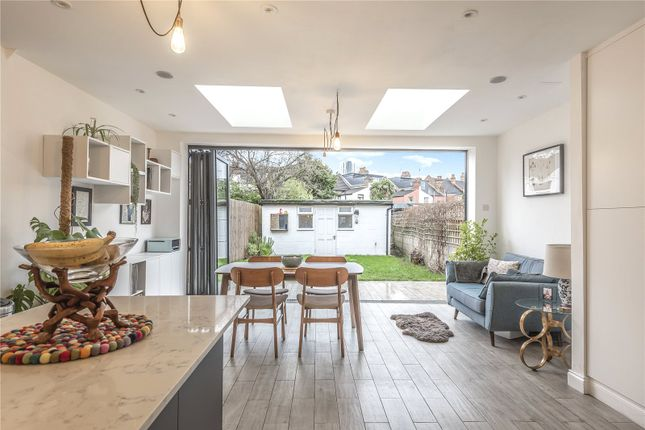 Thumbnail Terraced house for sale in Oakdale Road, London