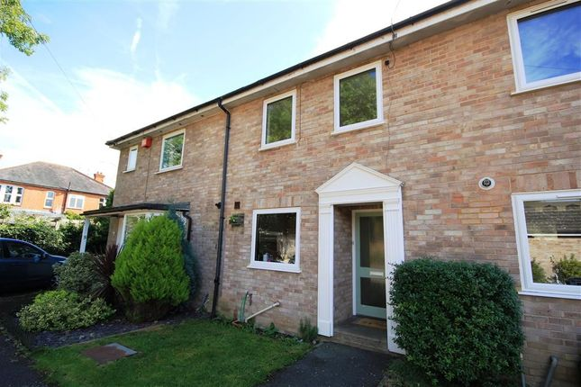 3 bed town house to rent in The Mews, Hamilton Road, Reading RG1