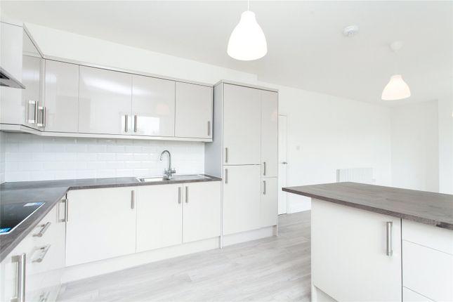 Kitchen of Norwich Road, London CR7