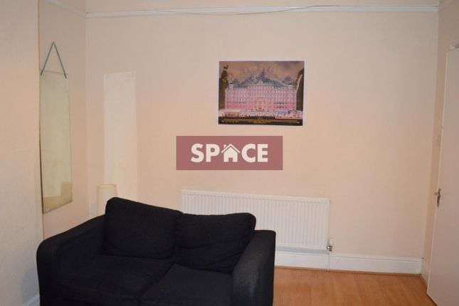 Thumbnail Terraced house to rent in Ashville View, Leeds