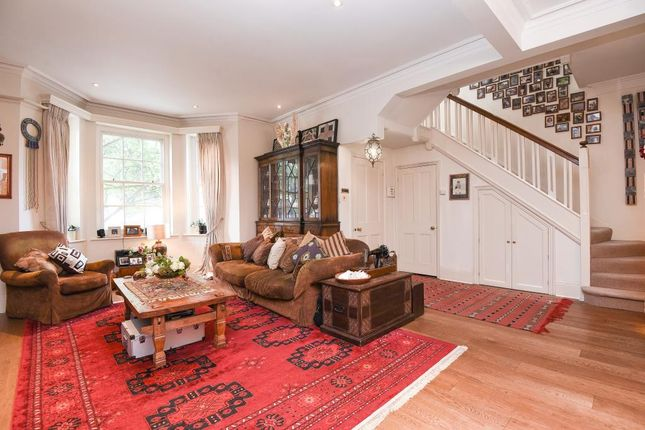 Thumbnail Town house for sale in Gunterstone Road W14,