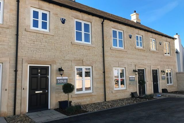 Thumbnail Terraced house to rent in Cecil Square, Stamford