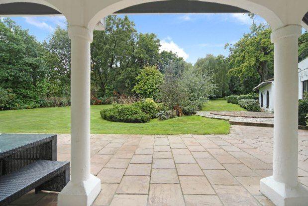 Thumbnail Property to rent in East Road, Weybridge