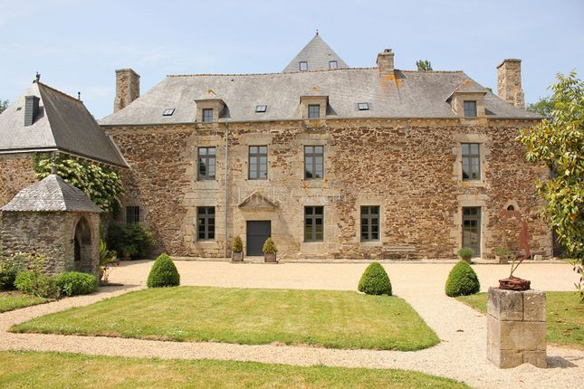 Thumbnail Property for sale in 22100, Dinan, France
