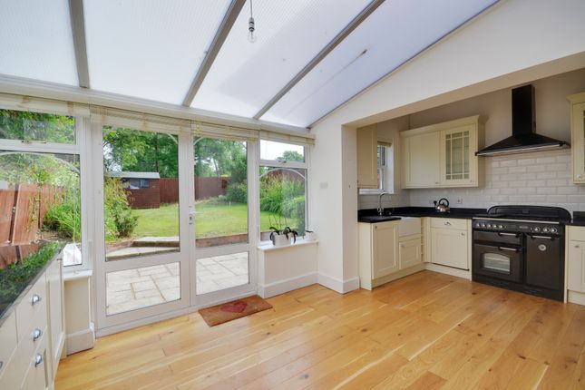 Thumbnail Flat to rent in Highfield Road, Northwood