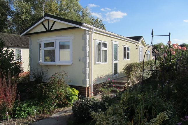 Thumbnail Mobile/park home for sale in Waterend Park (Ref 6030), Old Basing, Basingstoke, Hampshire