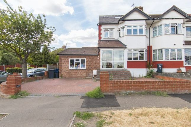 Thumbnail Property for sale in Kensington Drive, Woodford Green