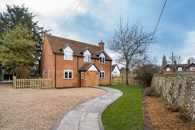 Thumbnail Cottage to rent in School Lane, Marlow