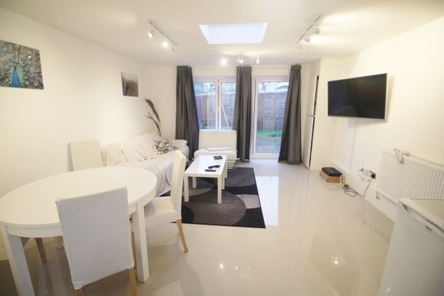 Thumbnail Room to rent in Tristram Road, Bromley