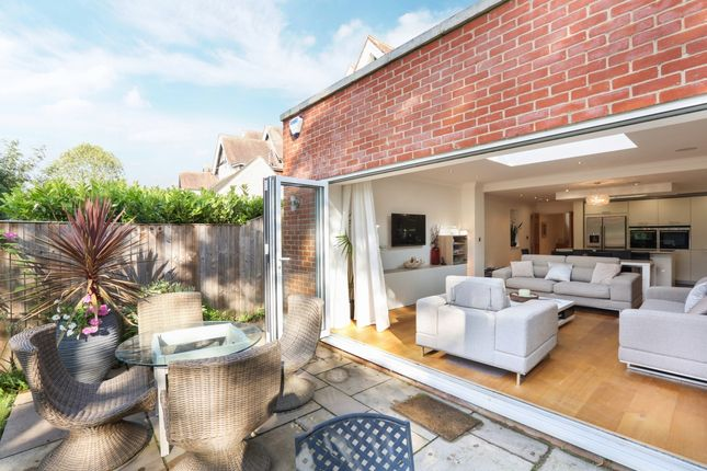 Thumbnail Detached house to rent in Bolton Crescent, Windsor