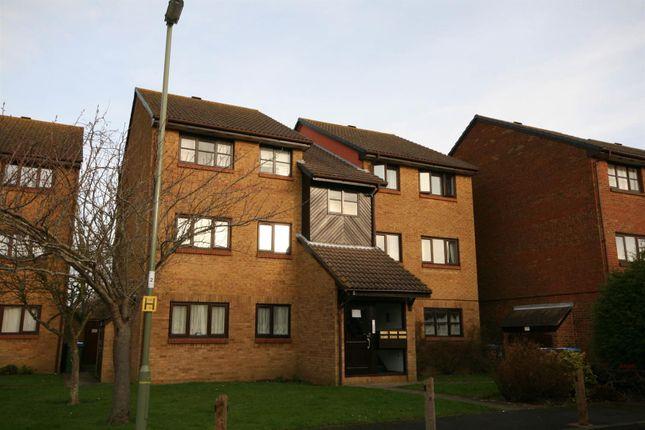 2 bed flat to rent in Celandine Avenue, Locks Heath, Southampton SO31