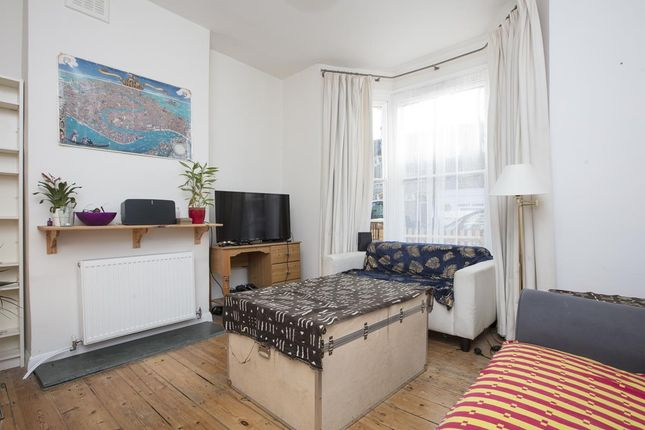 3 bed terraced house for sale in Elcot Avenue, London