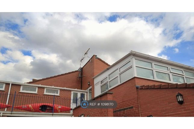 2 bed flat to rent in Croft Road, Nuneaton CV10