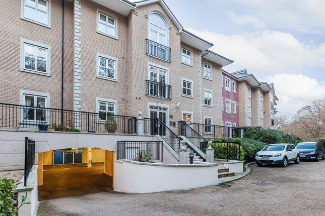Thumbnail Flat to rent in The Manor, Repton Park, Woodford Green