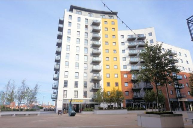 Thumbnail Flat for sale in Centenary Plaza, Woolston, Southampton