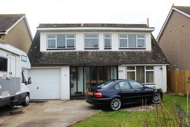 Thumbnail Bungalow to rent in Buckholt Avenue, Bexhill-On-Sea